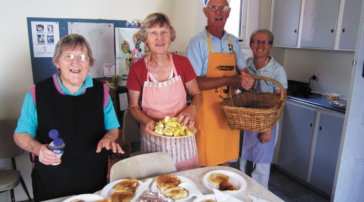 Volunteers Bonnie Harrison, Bev Jungwirth, Fred Jungwirth, Helen Barton
