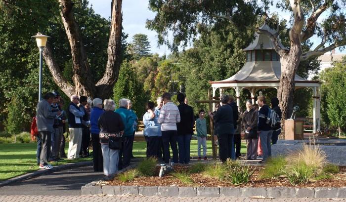 Western Heights Uniting Church - Good Friday walk