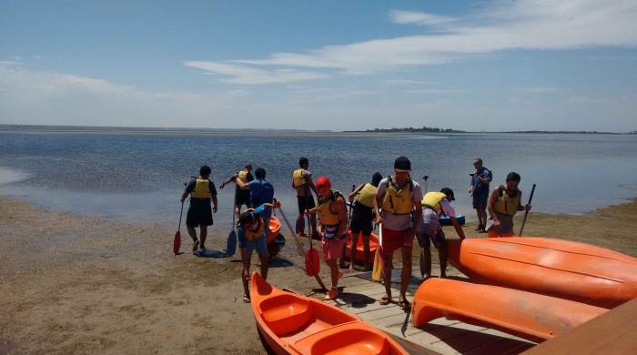 refugees kayaking at queenscliff