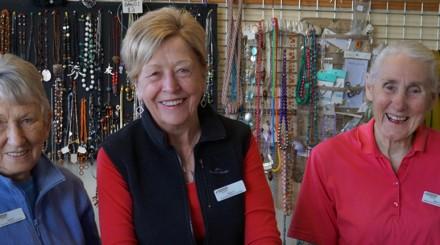 volunteers at harrison unitingcare