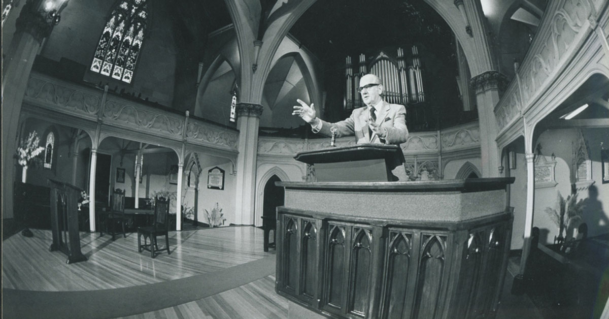 Rev Arthur Preston preaching from the pulpit in Wesley Church, Lonsdale Street, Melbourne in 1981